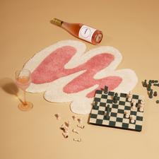 Spilled rosé – rug